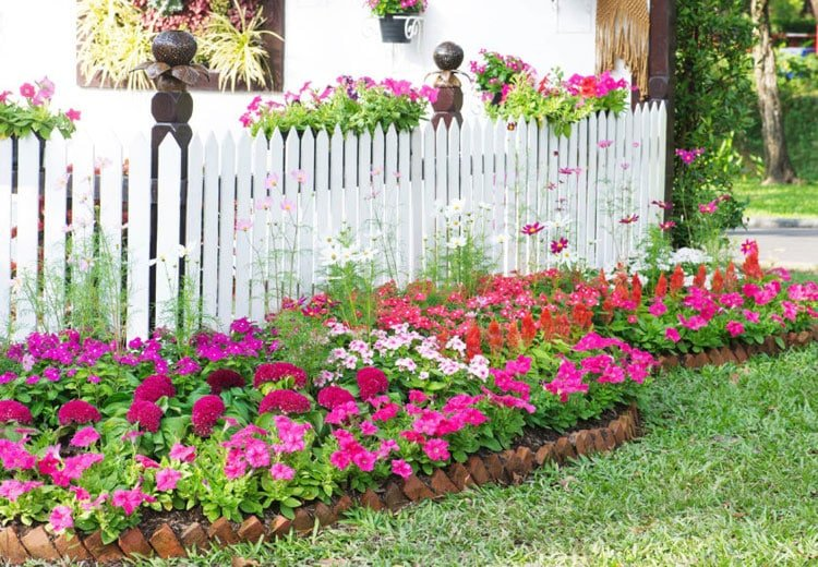 Beautiful Flower Beds For Your Yard