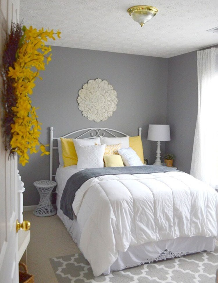 Bold Yellow and Grey Bedroom Decorations