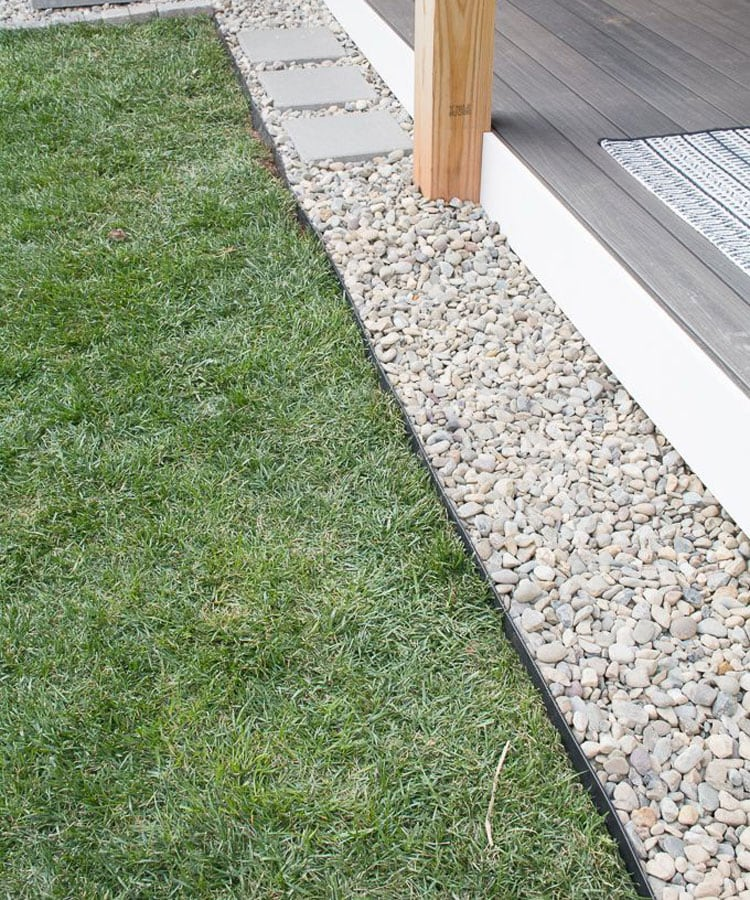 Pretty Pebble Lawn Edge to Add Texture