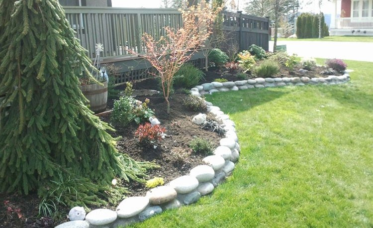 Rock Garden Edging Never Goes Out of Style