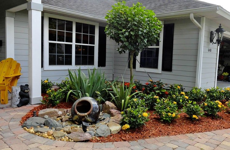 Easy Front Yard Landscaping With Mulch