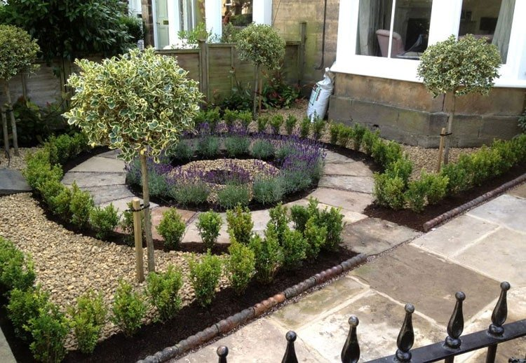 Exquisite Small Front Yard Landscape with Circular Patterns for Passionate Gardeners