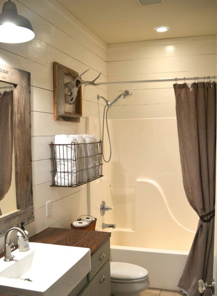 Rustic Bathroom Decor, Colors and Accents