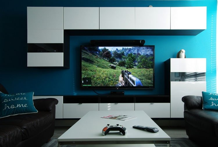 Simple Gaming Living Room with White and Blue Colors
