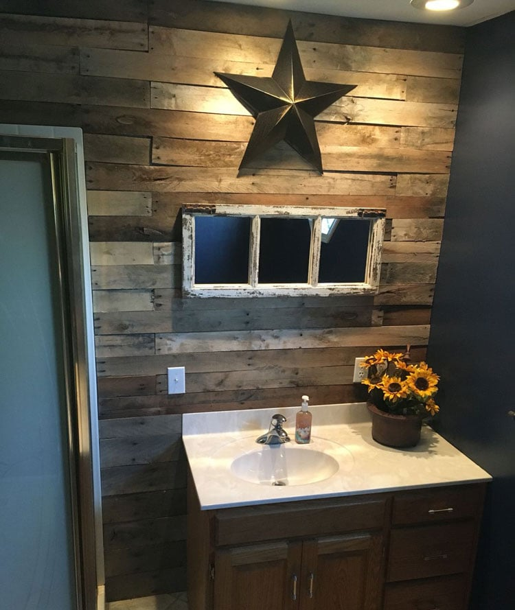 Small Rustic Bathroom with Metal Star, Wood Wall and Vintage Mirror