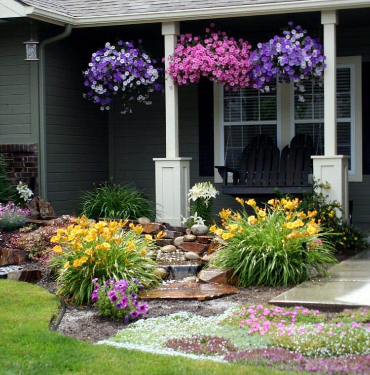 Use Landscaping to Highlight Your Front Porch