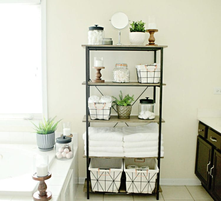 Chic Storage Decor For Small Spaces in the Bathroom
