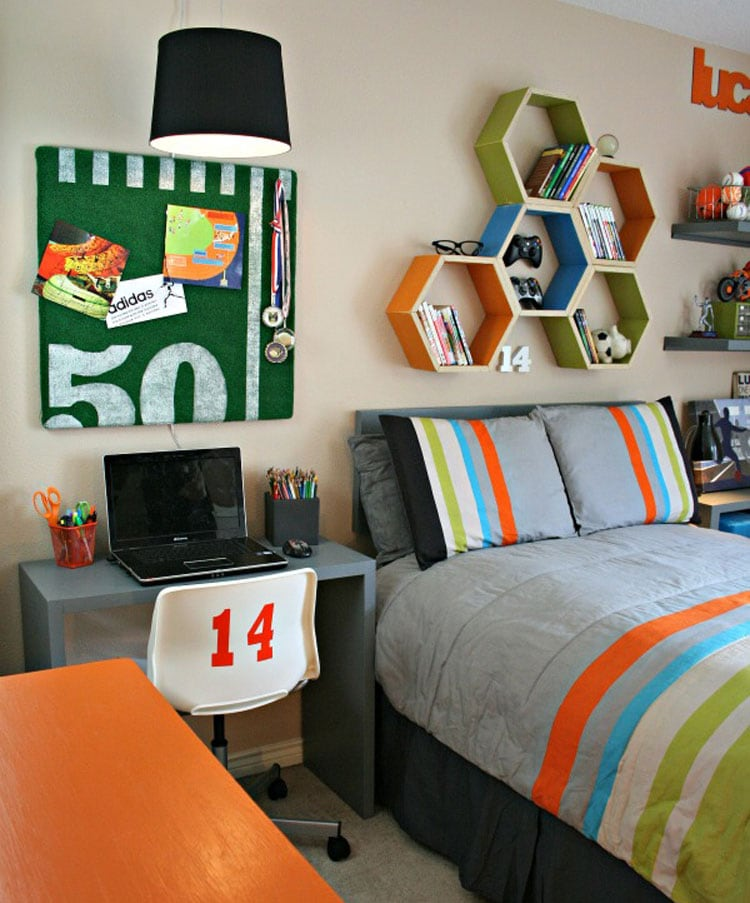 Colorful Teen Bedroom with a Playful Vibe