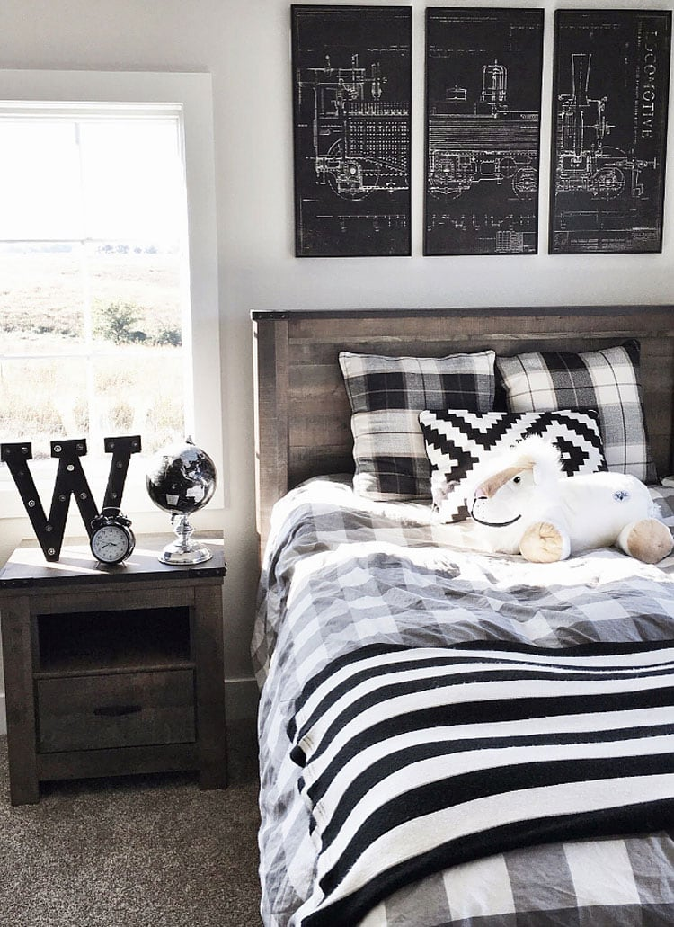 Cool Black and White Teenage Boy Bedroom