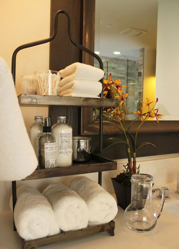 Create Space with A Bathroom Tray For Toiletries