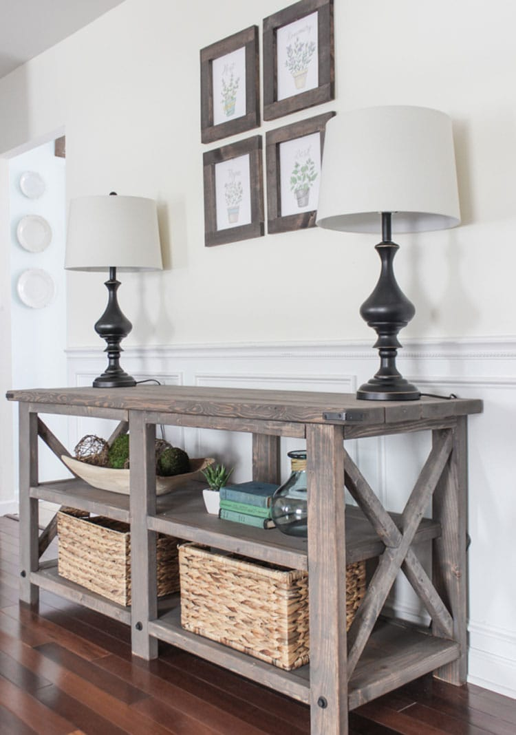 Cute Front Entry Table For A Stylish Hallway