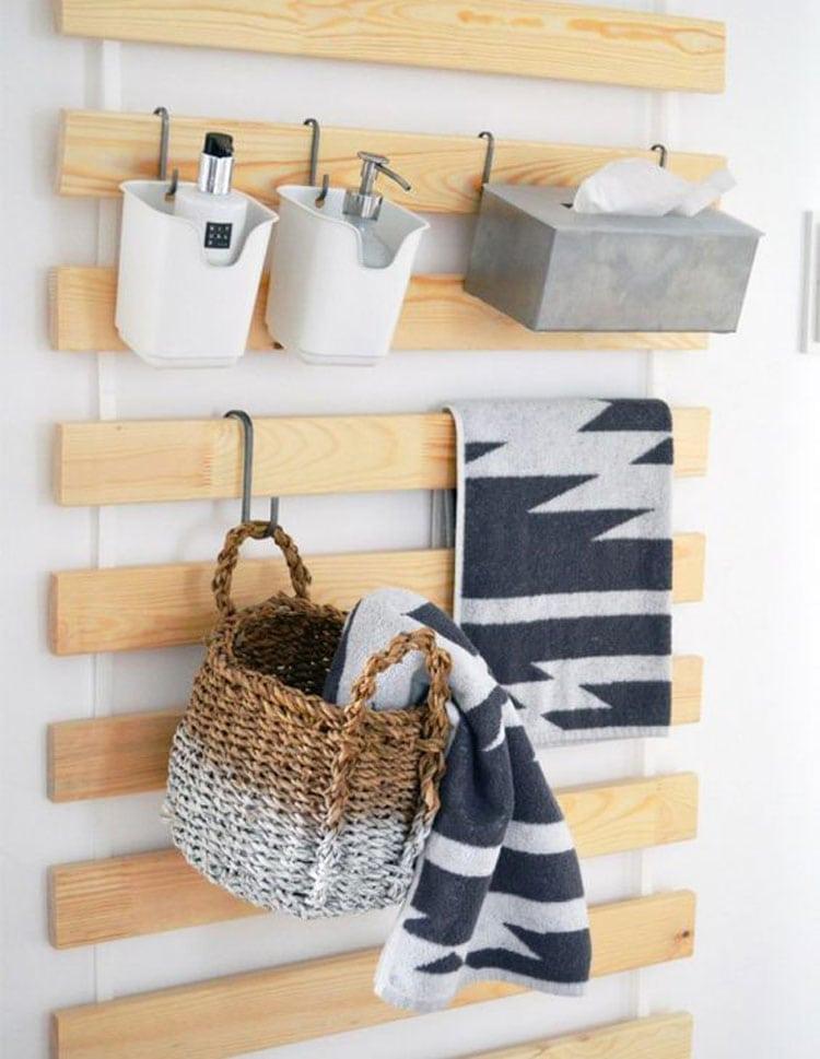 DIY Small Bathroom Wall Storage with Hooks