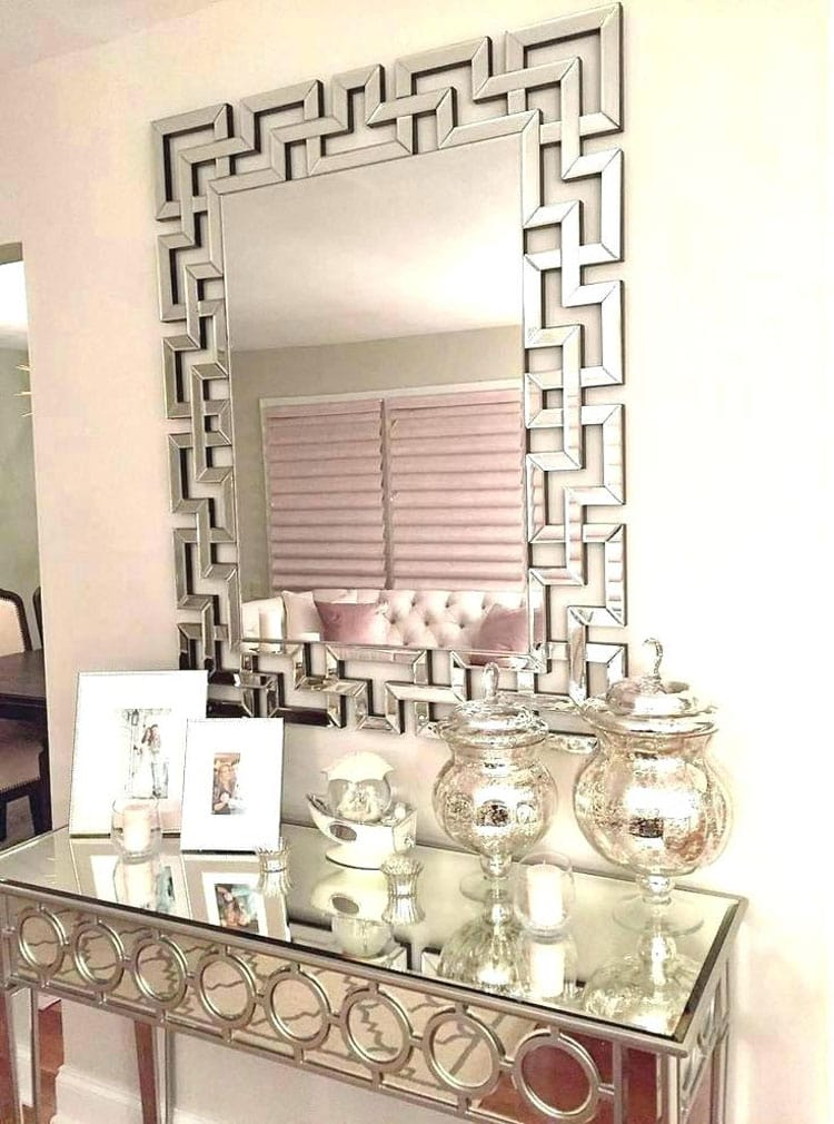 Luxurious Foyer Table and Mirror with Elegant Finish