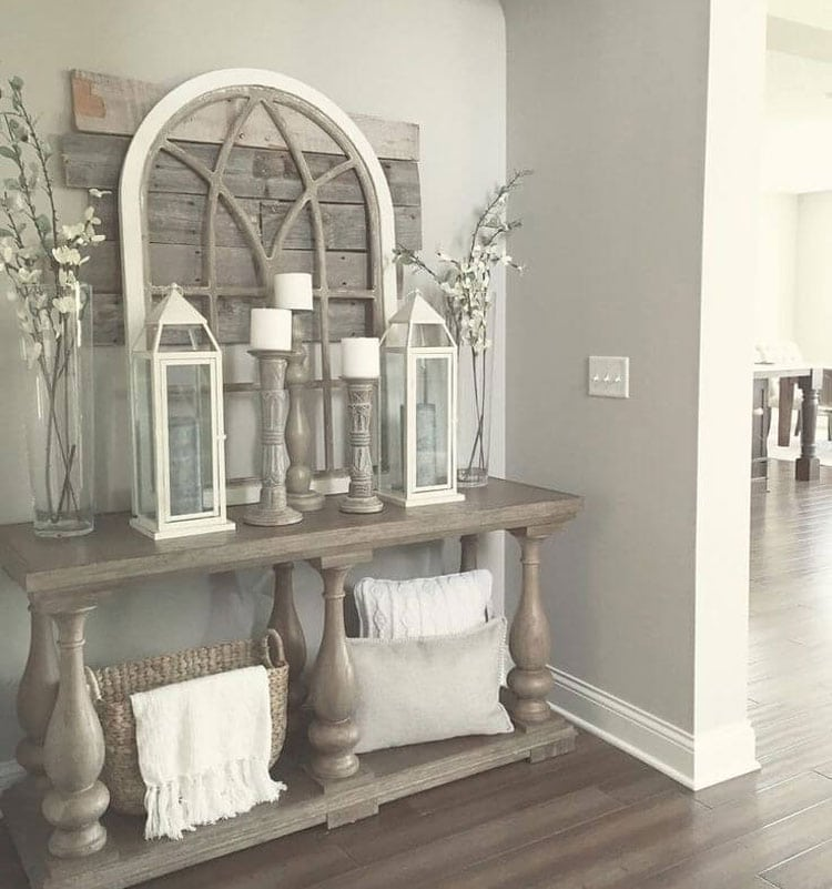 Luxurious Entryway Table For A Beautiful Front Entrance Hallway