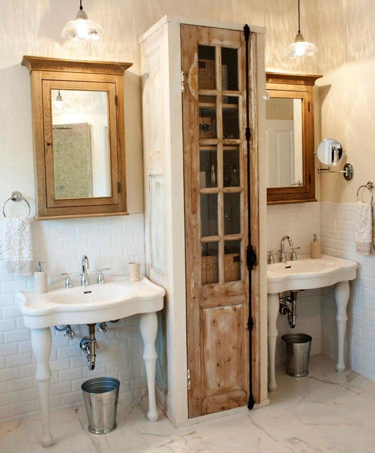 Old Fashioned Bathroom Organizer