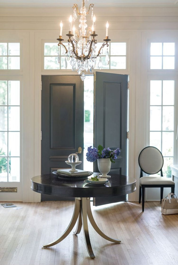 Round Entry Table for an Opulent Foyer