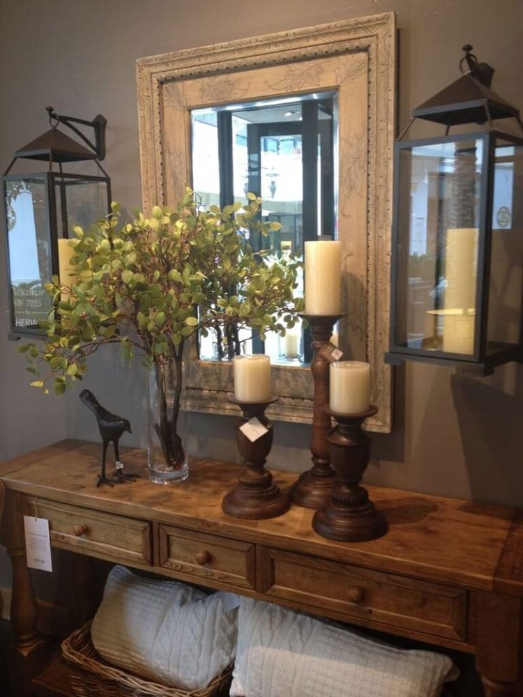 Rustic Foyer Table with Large Accessories