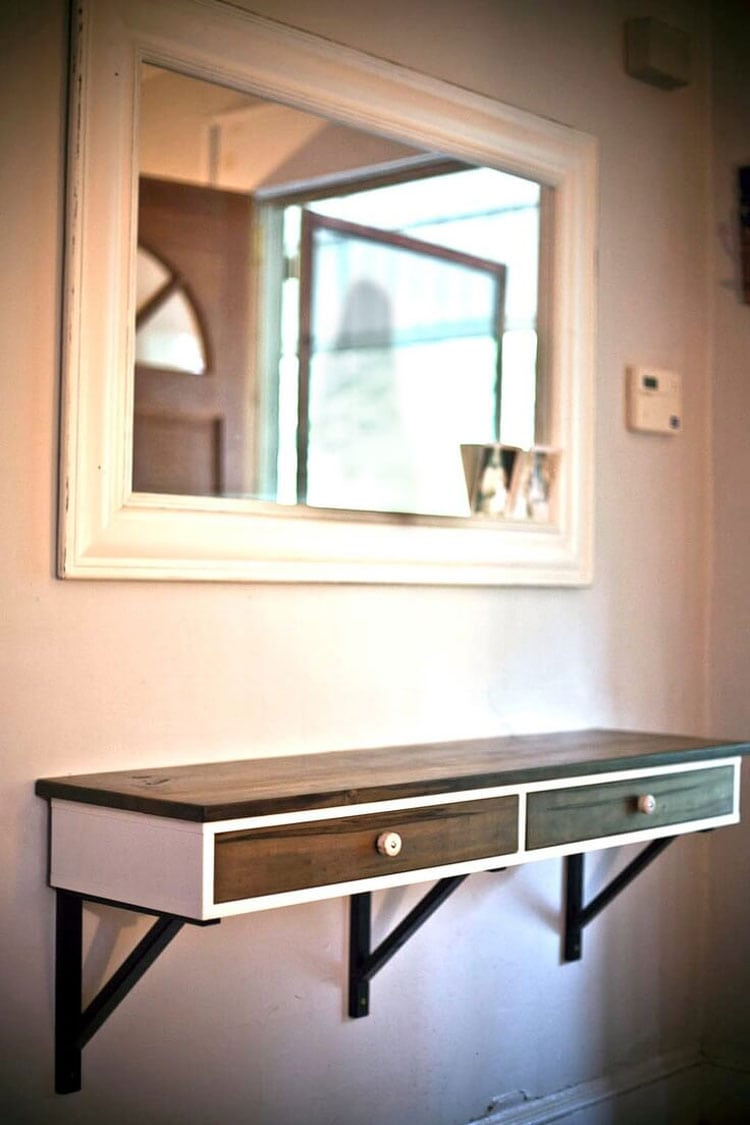 Simple Entryway Wall Table Design For a Clean Look