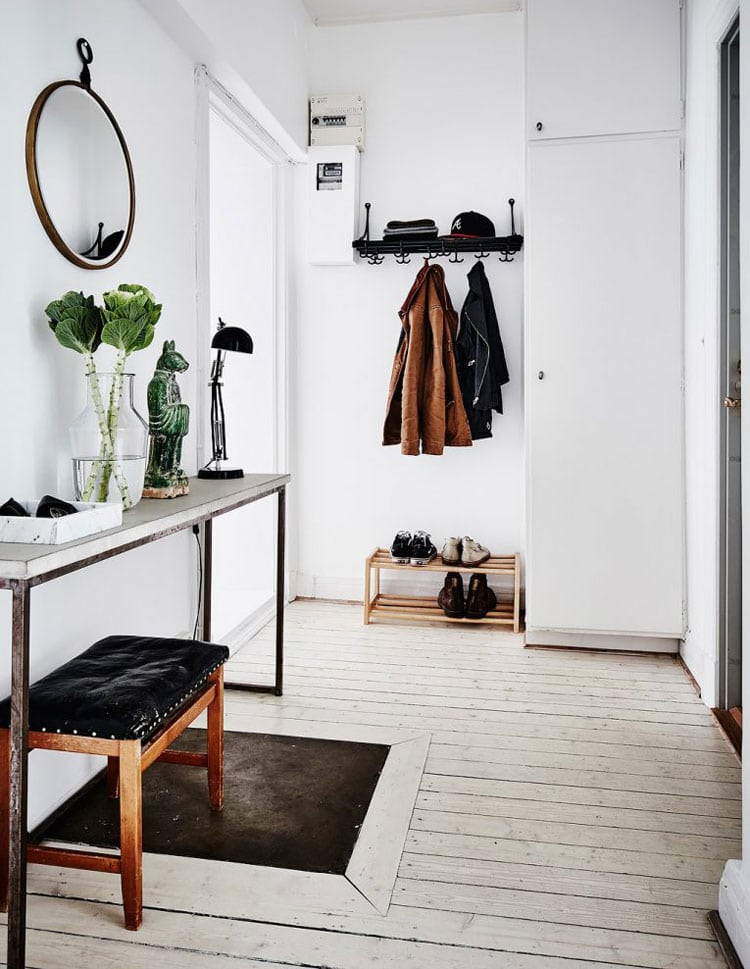 Simple Small Entryway Table Ideas For An Industrial Look