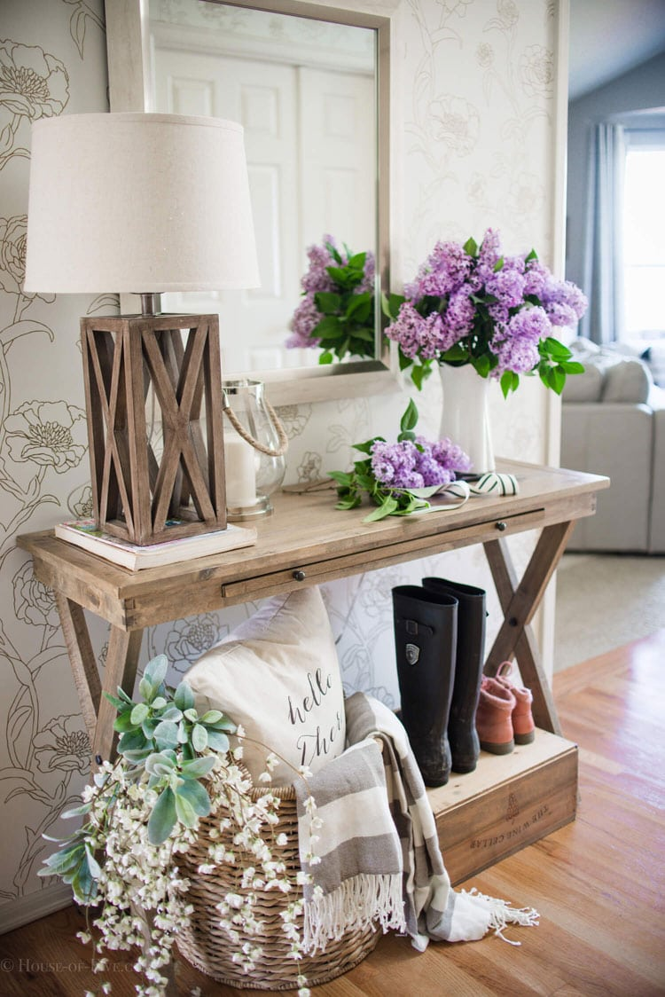 Trendy Wooden Hallway Entrance Table