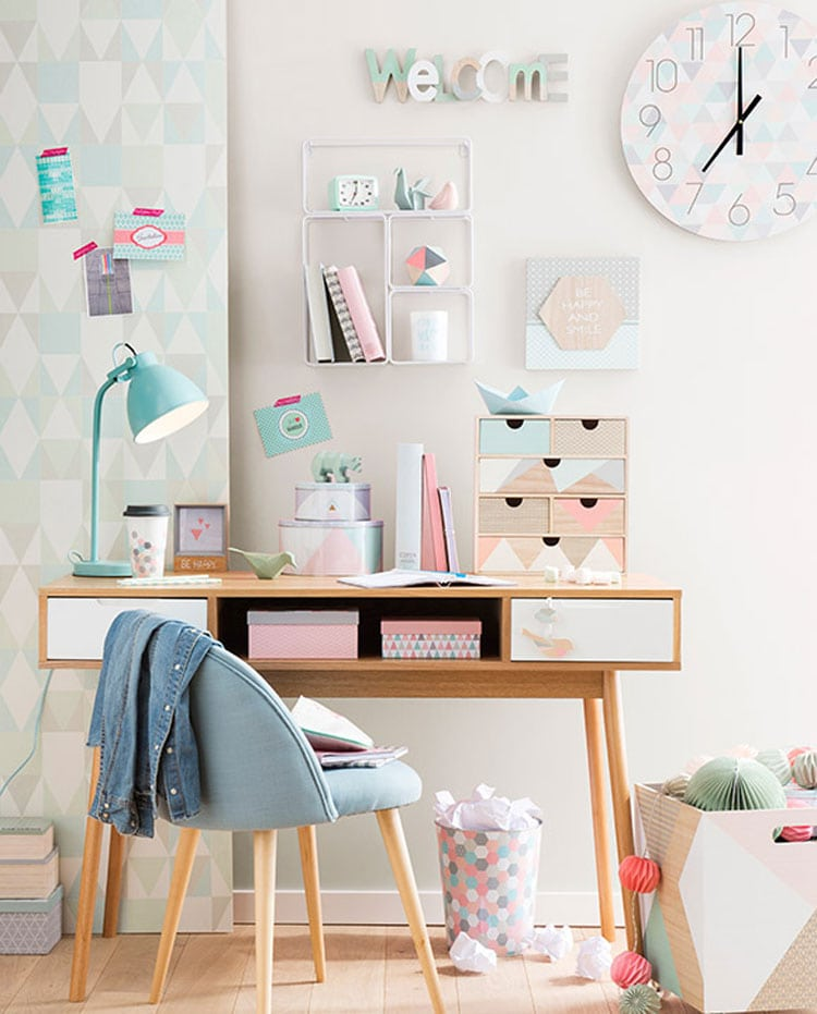 Charming Study Area and Desk in Pastel Tones