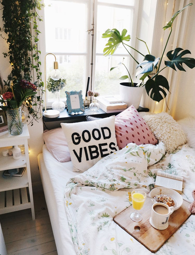 Cool Teenage Bedroom Ideas For Small Rooms with Cute Bohemian Vibes and Plants