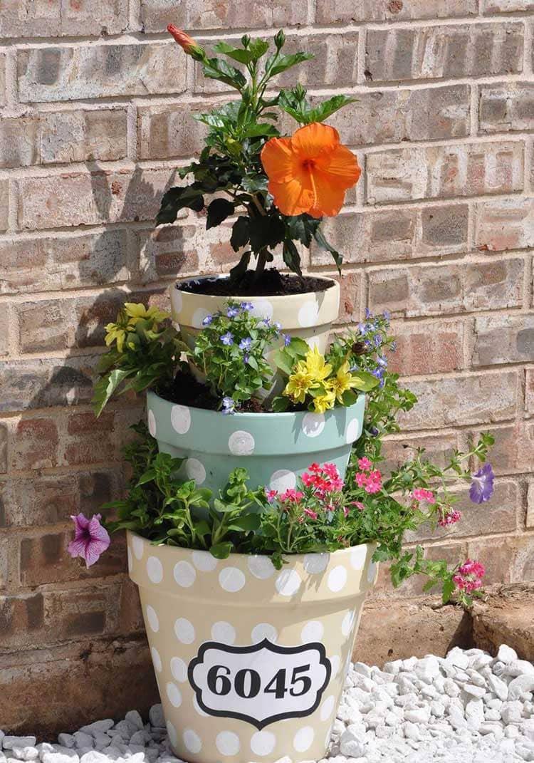 Cute DIY Tiered Flower Pot Ideas For Front Door