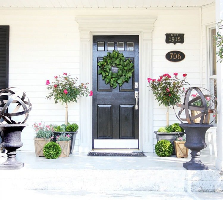 Cute Large Planters and Flowers For Spring Front Porch