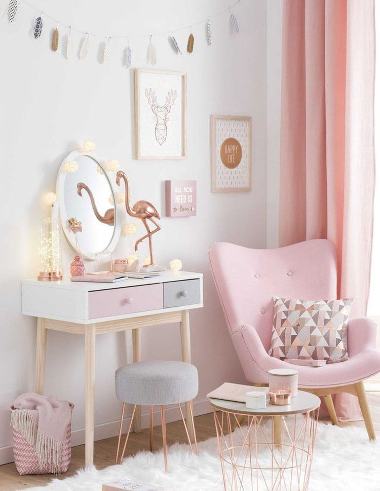 Pink Bedroom with Delicate Color Palette