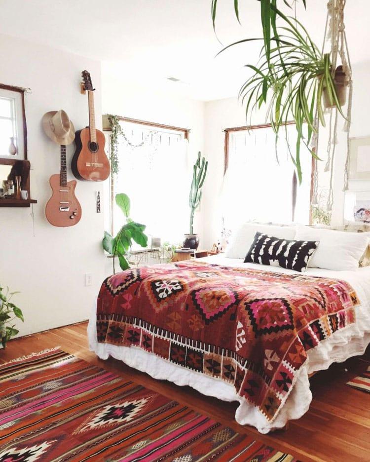 Simple 70's Hippy Teen Girl Room for Music Lovers