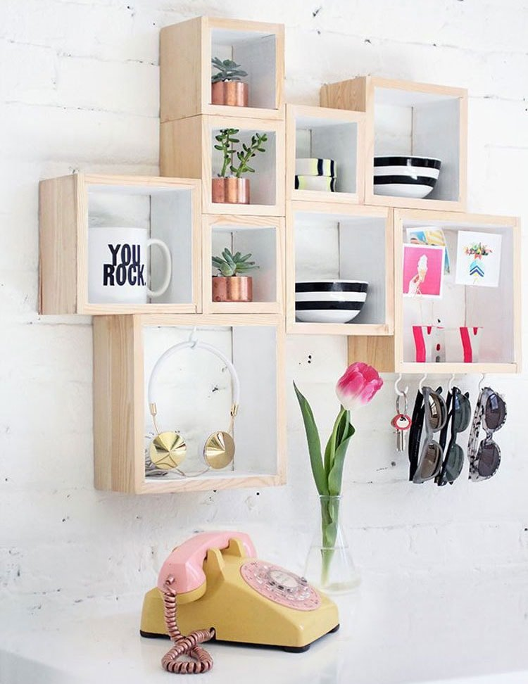 Teenage Bedroom Furniture for Small Rooms with Creative Shelves