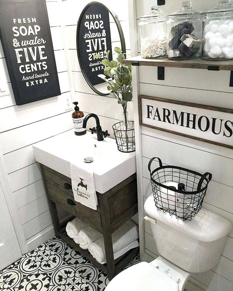 Black and White Farmhouse Bathroom Decor Ideas