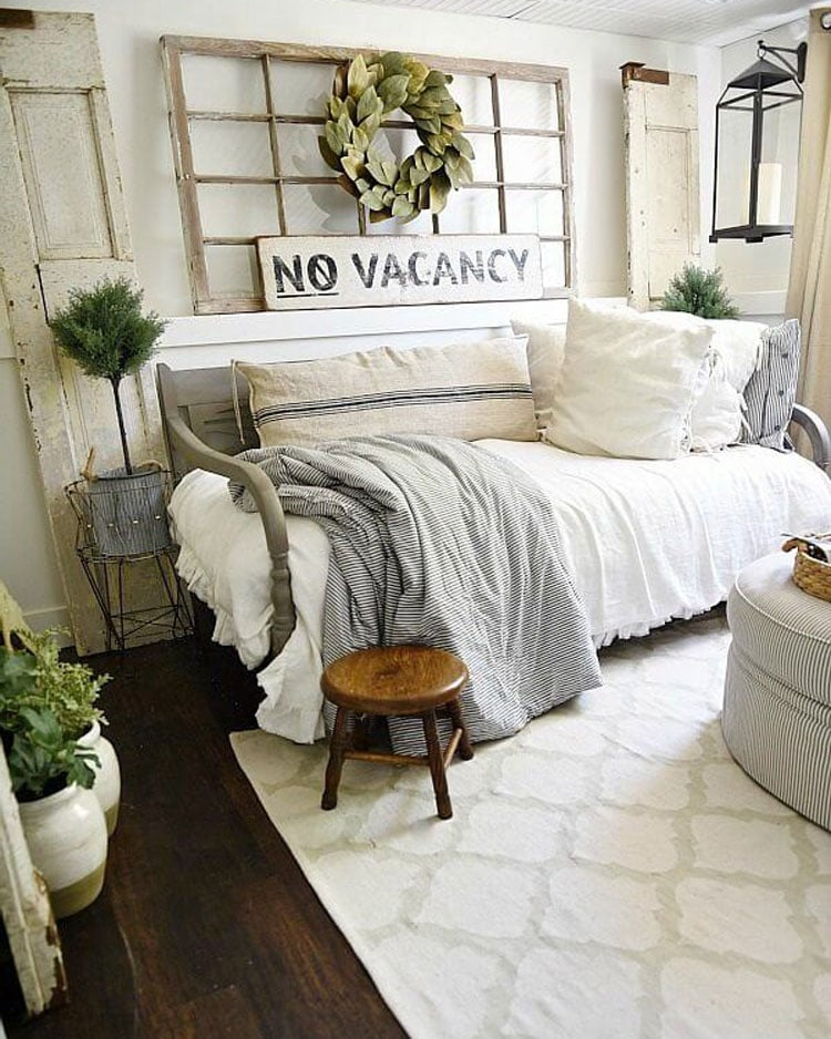 Farmhouse Living Room Design and Decor