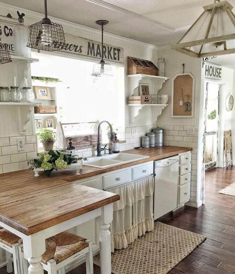 Rustic Farmhouse Kitchen and Interior Design
