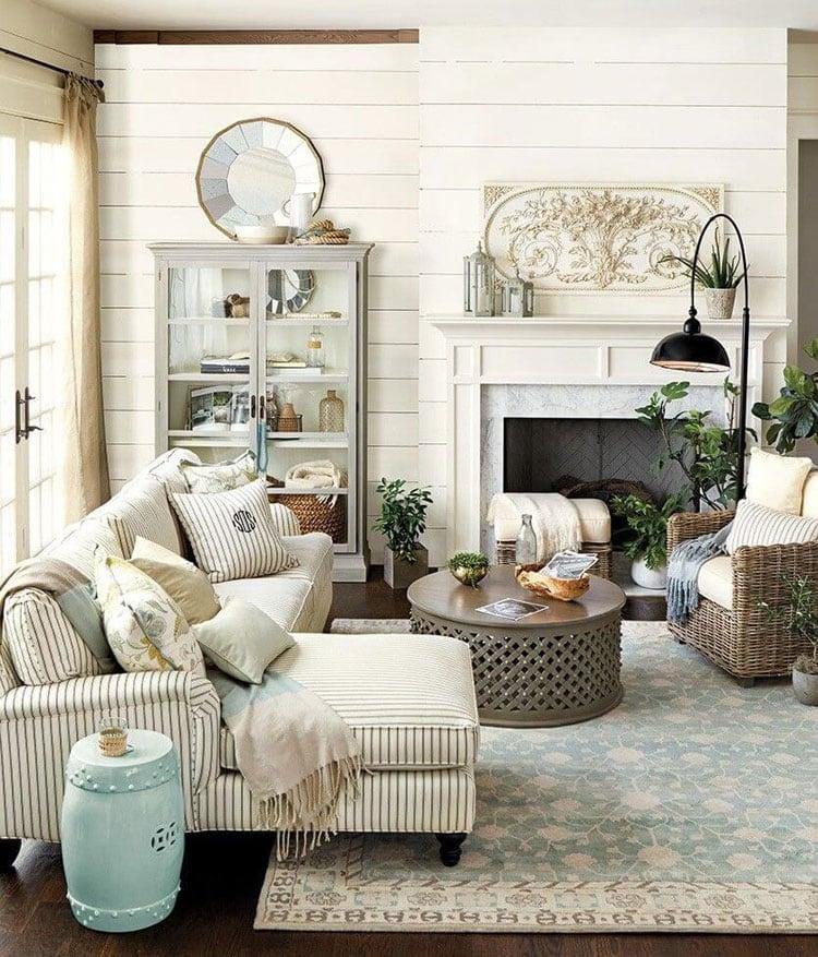 Simple Farmhouse Interior Design