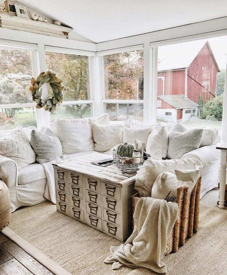 Simple Modern Rustic Farmhouse Ideas