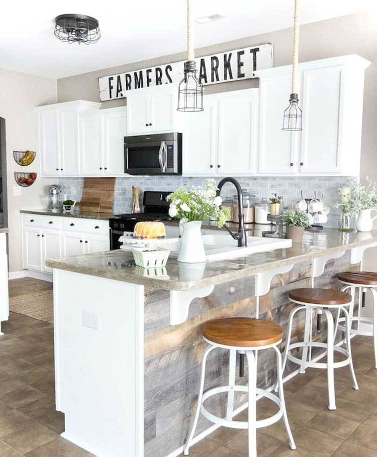 Beautiful Farmhouse Kitchen with White Cabinets