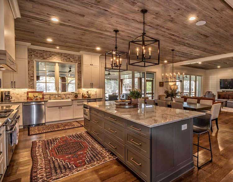Gorgeous Rustic Kitchen with Simple Decor