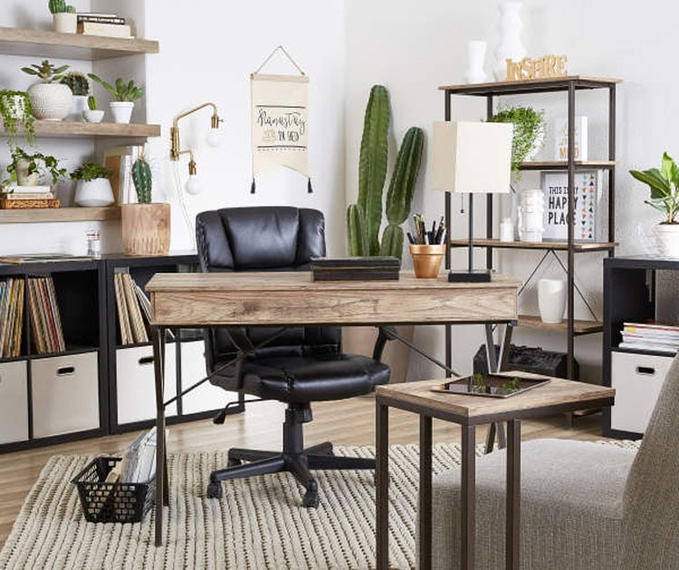 Natural Wood and Plants In Bedroom Office