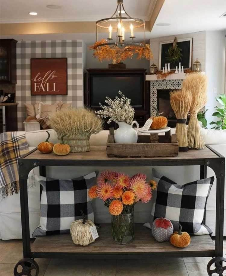 Rolling Decor Display Table