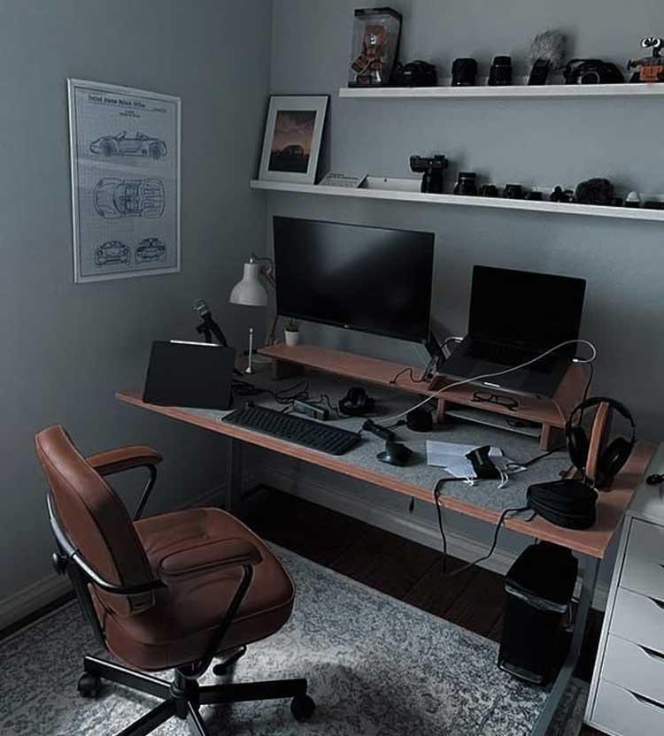 Simple Computer Desk in Bedroom