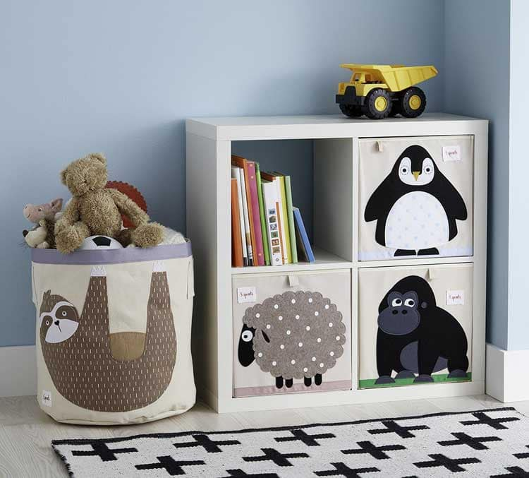 Adorable Baskets and Shelves with Animal Decor For Toy Storage