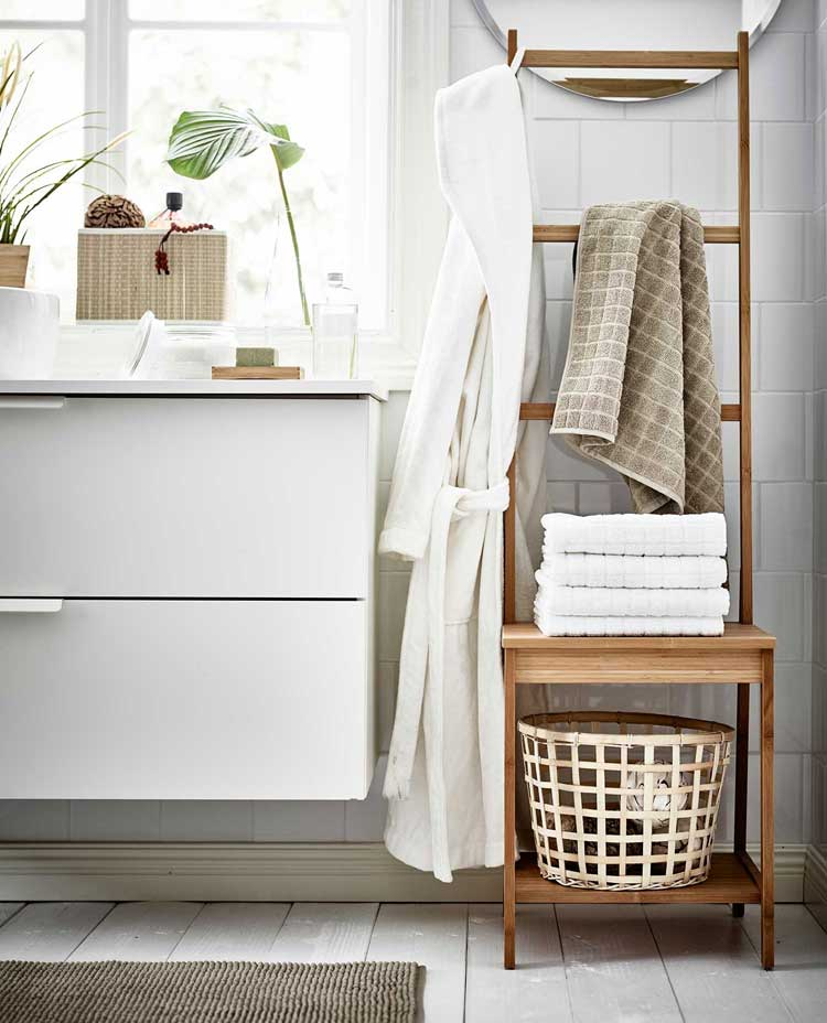 Complement Your Minimal Decor with Hanging Towel Racks