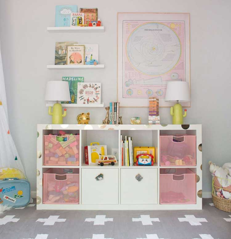 Cube Storage Unit with Shelving For Toys