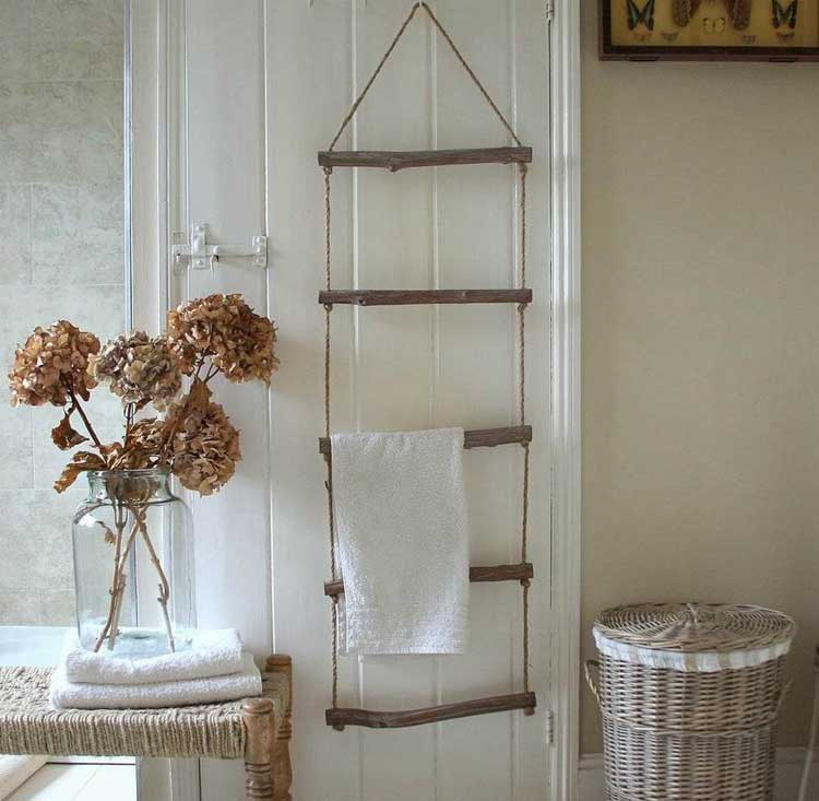 Delicate Hanging Ladder Is A Removable Storage Option