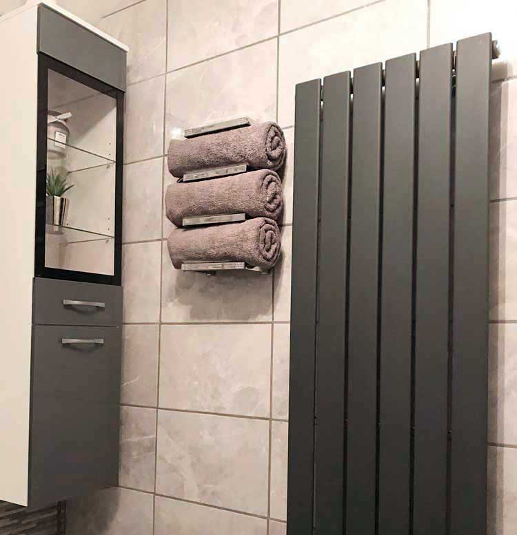 Modern Wall Mounted Towel Rack For Rolled Towels