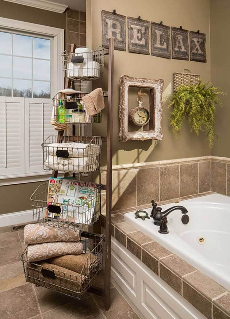 Rustic Towel and Toiletries Rack