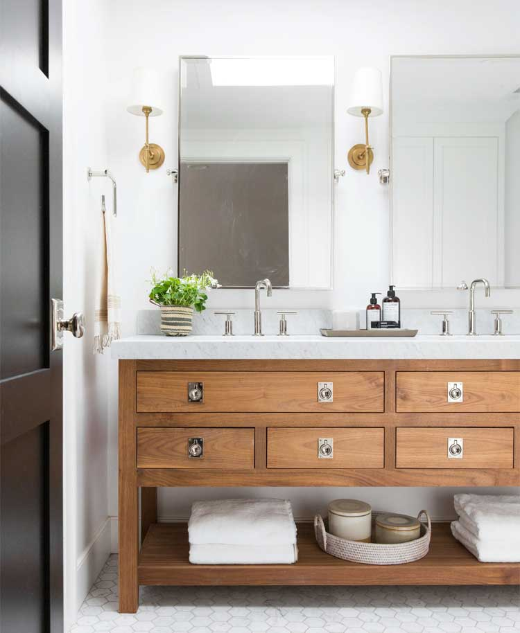 Use A Vanity with An Open Bottom For Towel Storage