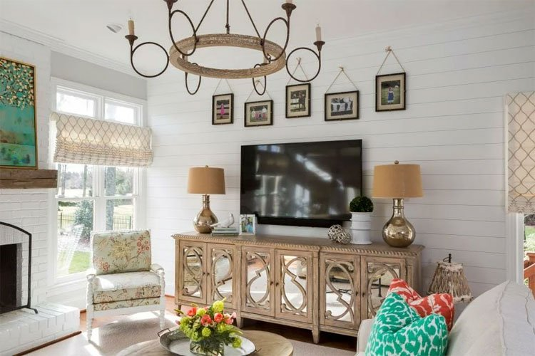 Cottage Style Decorations and Materials