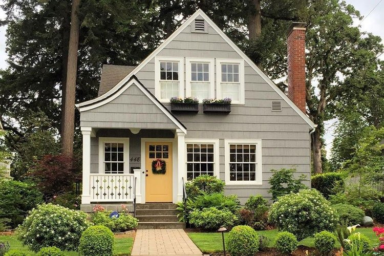 Cottage Style Home with Garden